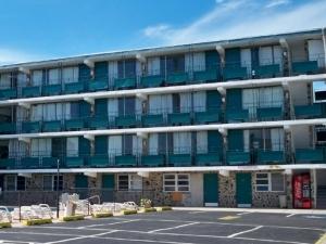Skyview Manor Motel