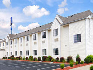 Microtel Clarksville