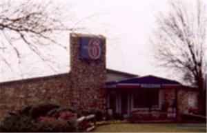 Motel 6 Charleston Wcross Lns