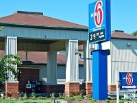 Motel 6 Lexington North George