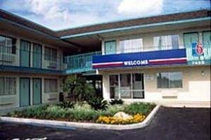 Motel 6 Farmington