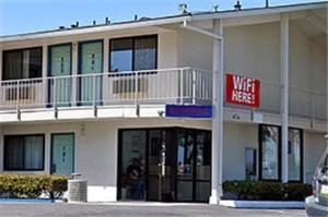 Motel 6 Williams