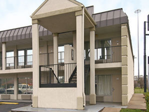 Super 8 Motel - Longview