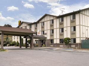 Super 8 Motel - Gilroy