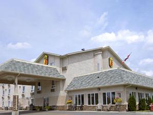 Super 8 Fort Frances Ont Cn