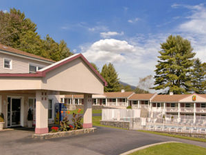 Super 8 Motel - Lake George/Downtown