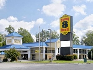 Super 8 Ruther Glen Kings Dominion Area