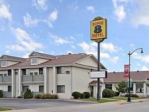 Super 8 Motel - La Crosse