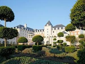 Dream Castle Hotel at Disneyland Paris
