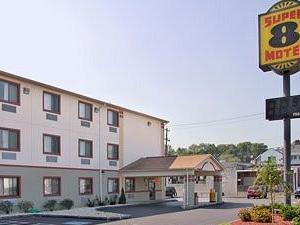 Super 8 Motel - York