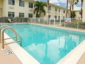 Main Stay Suites at PGA Village