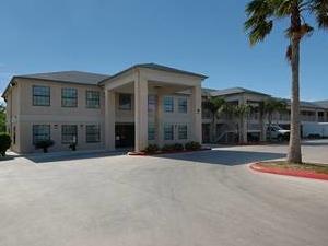 Americas Best Value Inn & Suites - Raymondville