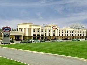 Hampton Inn & Suites Youngstown- Canfield