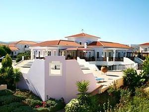 Akamanthea Holiday Village
