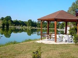 Hotel du Lac La Mezelle