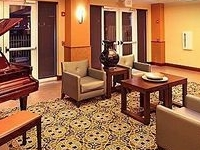 Holiday Inn Hotel and Suites Rogers