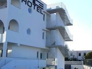 White Hotel & Resort