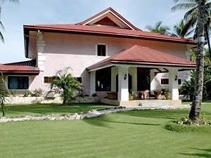 Las Flores Country & Beachside Hotel