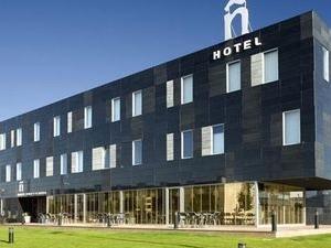 N Tudela Hotel