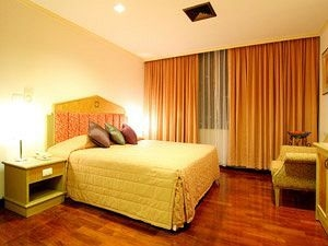 Grand Tower Inn Rama Vi