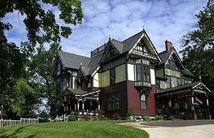Colonel Taylor Inn Bed And Breakfast