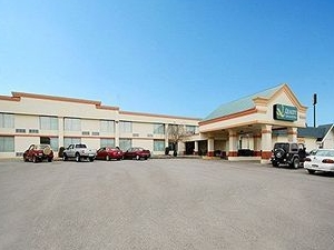Quality Inn & Suites Clarion
