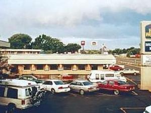 Arkansas River Inn & Suites Ca