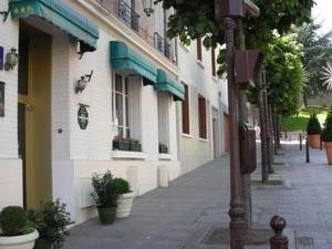 Hotel Douglas