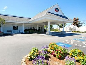 Courtyard By Marriott Cape Cod Hyannis