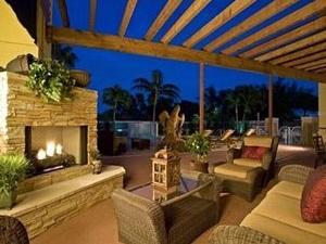 Windsor Gardens Hotel & Suites