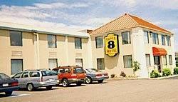 Super 8 Motel - New Philadelphia