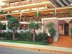 Plaza Vouliagmeni Strand Hotel