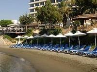 Louis Apollonia Beach