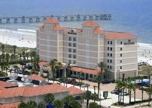 Quality Suites Oceanfront