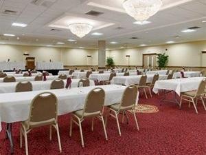 Ramada Conv Center Eau Claire