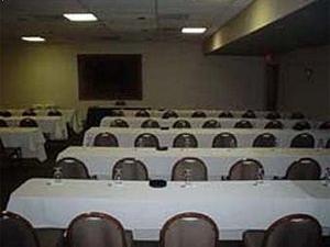 Ramada Tropics Resort & Conference Center Des Moines