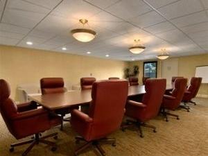 Ramada Inn & Plaza Harbor Conference Center