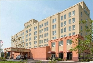 Radisson Hotel Newark-Carteret