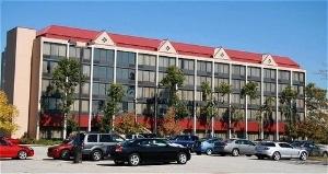 Radisson Hotel & Suites Cleveland- Eastlake