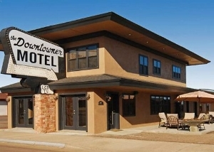 Rodeway Inn And Suites Downtow