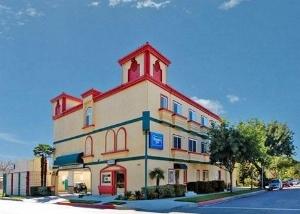 Rodeway Inn And Suites Pasadena