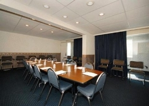 Rodeway Inn And Conference Cen