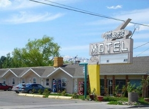 Mac S Motel