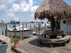 Snug Harbor Inn Waterfront B B