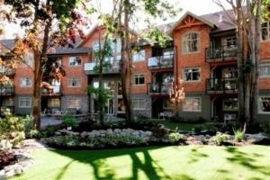 Old House Village Suites Hotel