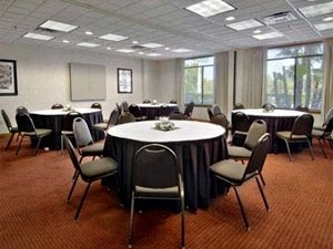 Wingate by Wyndham - Tampa USF