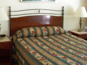 Golden Chain Resort Motel
