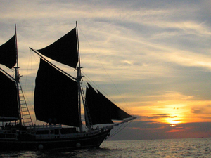 Phi Phi Highlights and Sunset Cruise Fotos