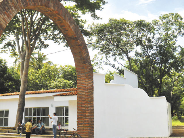 Leon y Leon Viejo Tour from Managua Photos