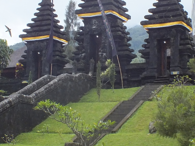 Karmic Connection Tour of Indonesia Photos